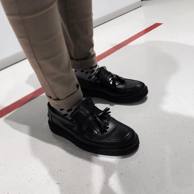 Phối đồ với giày Tassel