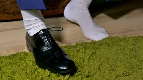 Cách phối giày với tất