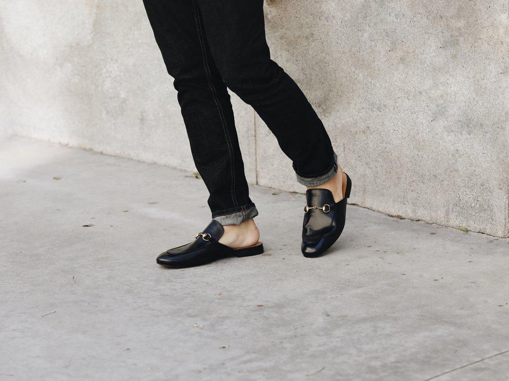 phối đồ với giày sục nam